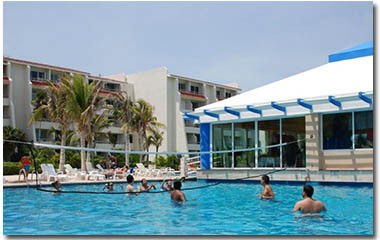 Solymar-Cancun-Hotel-Pool
