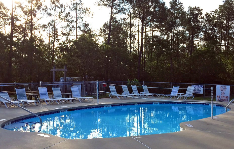 LACY: Nude photos of nudist resorts