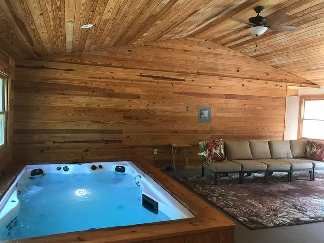 Oasis in the Woods Spa Room