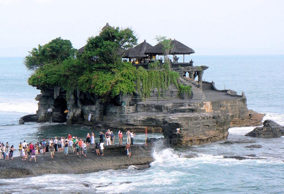 Bali Tanah Lot Temple