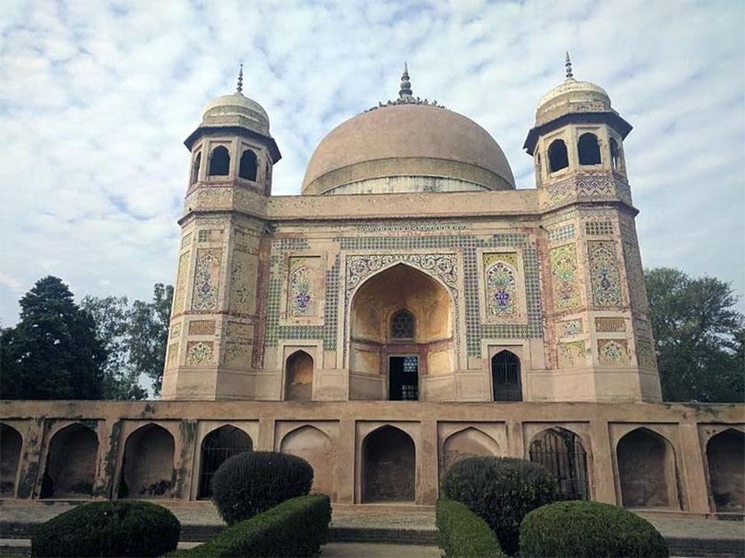India Tomb of Mohammad Momin and Haji Jamal